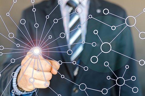 Tecnologia digital a serviço do trabalhador que busca conhecimento sobre segurança ocupacional (Foto Pixabay)